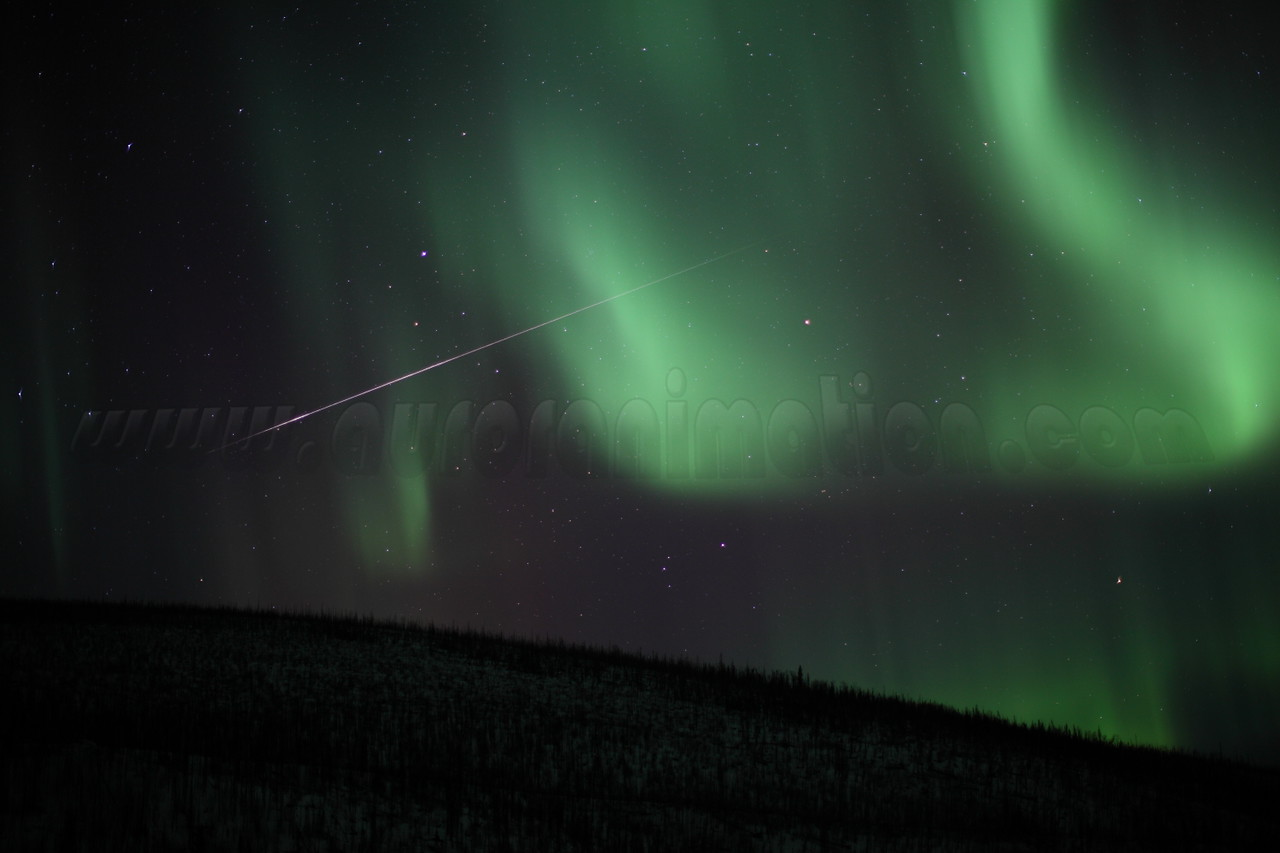 Meteor Fireball and Aurorae - Canon 5D - 50mm f/1.2