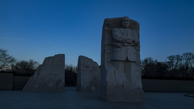 2018-12-19-MLK-Memorial-Sunrise_H265-444_1080p_30_UHQ_mb05