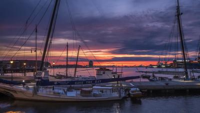 2017-11-01-Harbor-Point-Sunrise_ProRes-444_1080p_30_UHQ