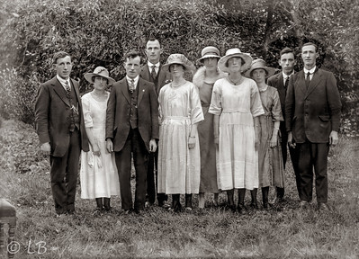 Wedding group with hats