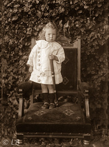 C066_Child standing on chair_207_ed1