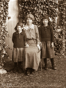 Mother and 2 girls
