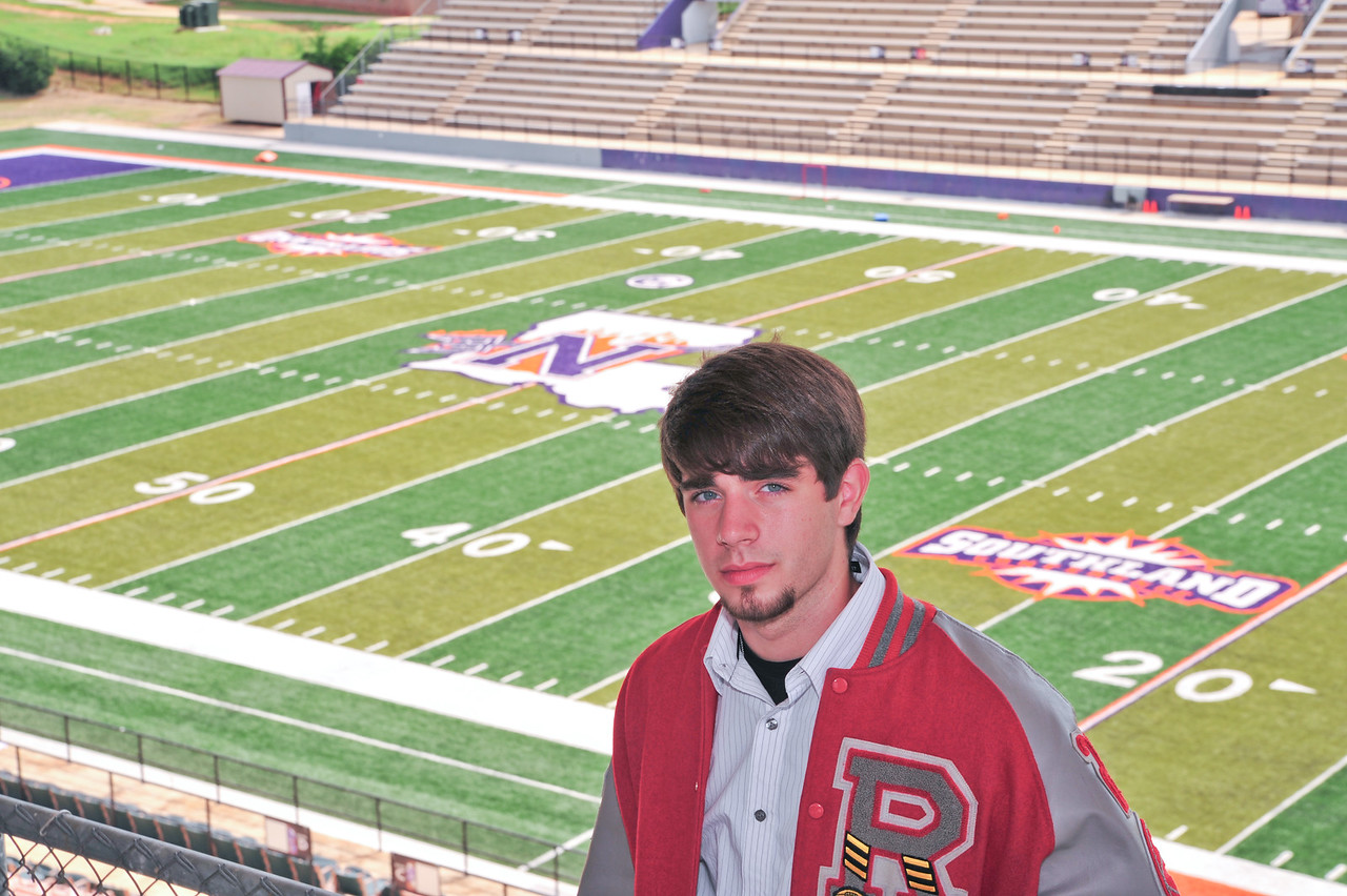 Alex Shelton 2009 Senior-6311