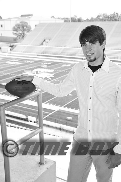 Alex Shelton 2009 Senior-6290