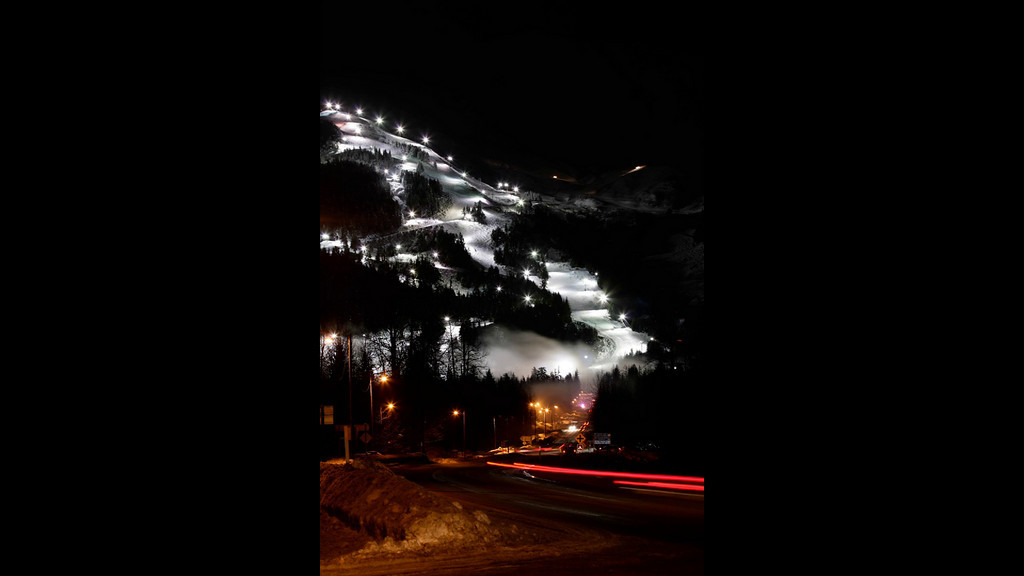 "Time Lapse of the New Years Eve Torchlight Parade and Fireworks Show at Alyeska Resort in Girdwood, Alaska<br />  <br /> Song ""Auld Lang Syne"" by the Red Hot Chili Peppers.<br /> <br /> December 31, 2010<br /> <br /> Best viewed in Hi-Def"