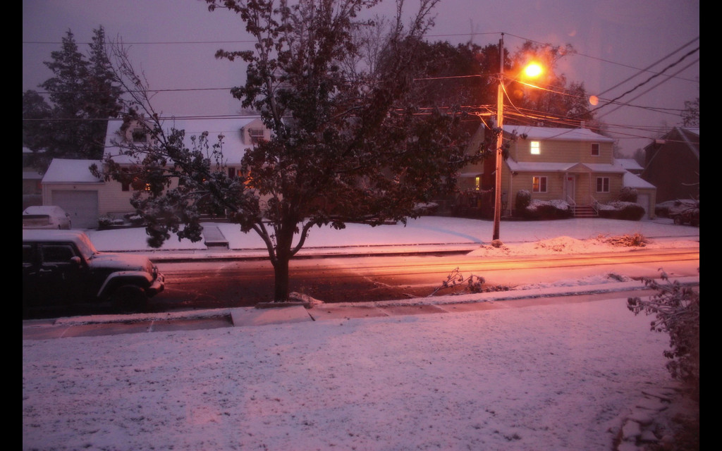 Time lapse over 5 hours during a slight snow storm on November 7, 2012.