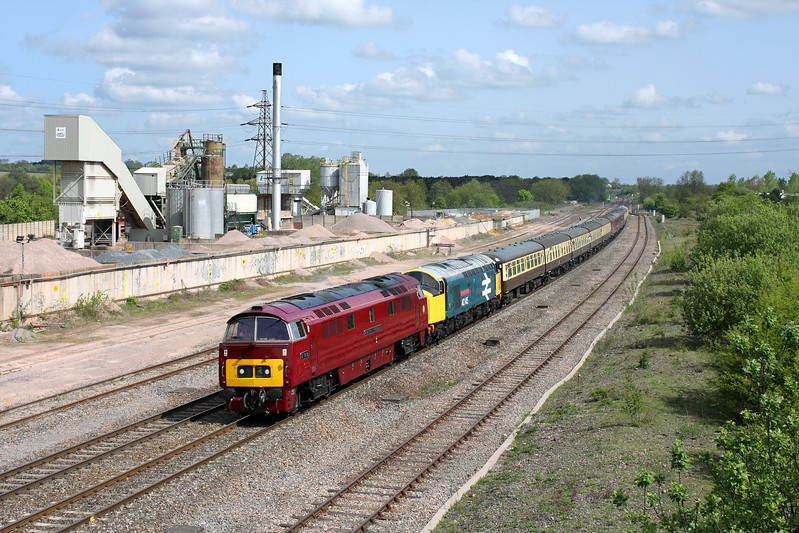 D1015 & 40145 at Banbury