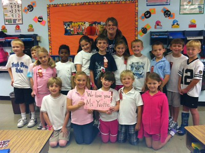 "2nd Grade ""Get Well"" photo for Yvette Pazos"