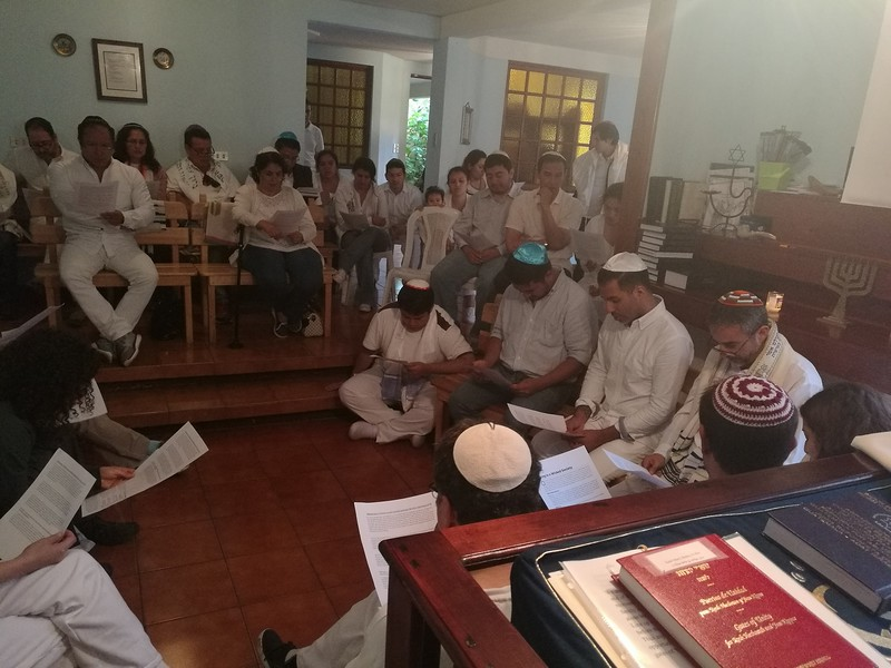 For our Yom Kippur haftarah discussion, I asked what would the prophet Isaiah say if he came to Guatemala City? Congregants weighed with their answers, including that Isaiah would advocate for electoral reform, human rights, and  protection for minors in government care.  In the afternoon we did a Bibliodrama  on living in a wicked society