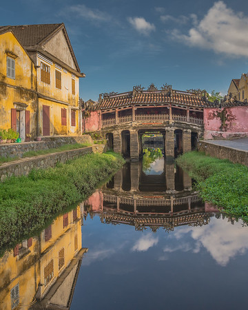 Hoi An's ancient Japanese bridge (day)