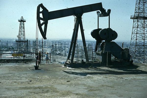 This is an oil well on Signal Hill before it was sold off to Builders
