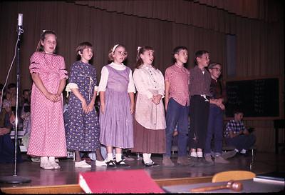 19640601_kids_singing_at_sc