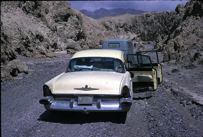 The Tate's van and the Murrays' car in Death Valley, CA
