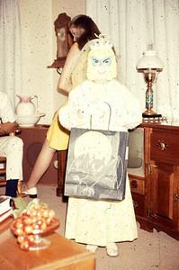 19681031_halloween_at_ranch