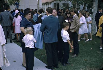 19680601_lindas_graduation