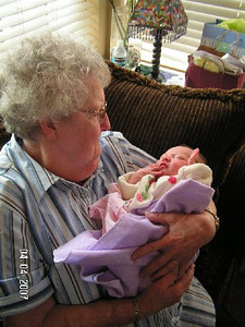 April 4_ 2007 Great grandparents and Auntie Linda visit Gracie 002.jpg