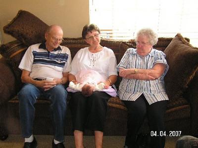April 4_ 2007 Great grandparents and Auntie Linda visit Gracie 024.jpg