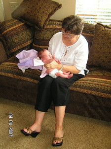 April 4_ 2007 Great grandparents and Auntie Linda visit Gracie 040.jpg
