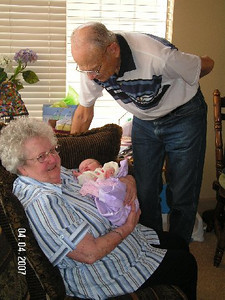 April 4_ 2007 Great grandparents and Auntie Linda visit Gracie 007.jpg