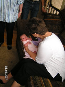 April 4_ 2007 Great grandparents and Auntie Linda visit Gracie 044.jpg