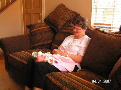 April 4_ 2007 Great grandparents and Auntie Linda visit Gracie 036.jpg