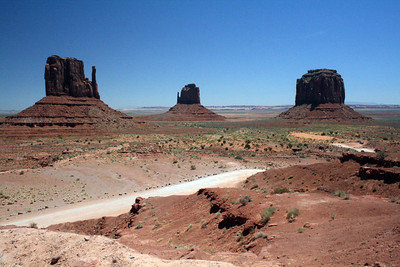 View from the start of the 17 mile drive. 'Auto-fixed' on picnik. Monument Valley, Arizona