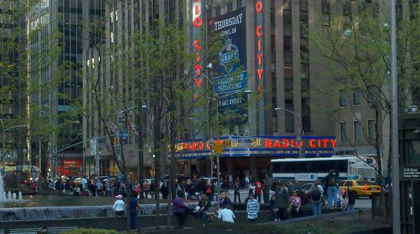 Radio City Music Hall - 6th Avenue / Avenue of the Americas