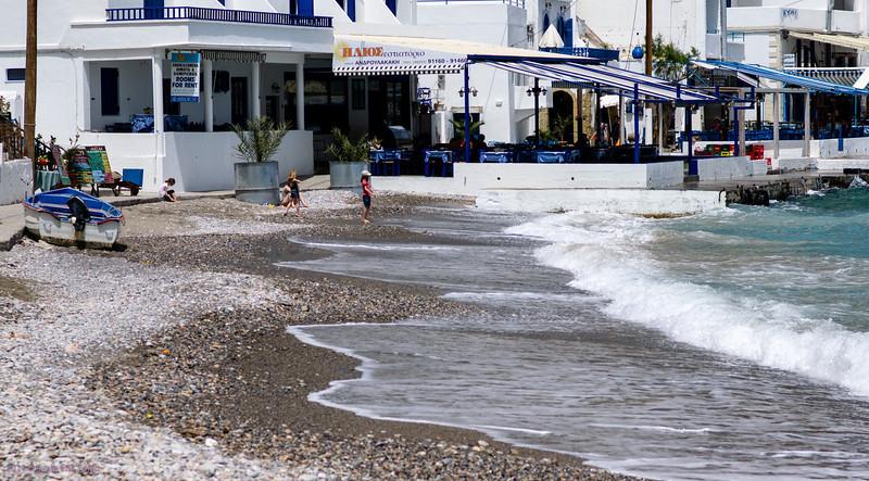 Whitewashet beach, Loutro