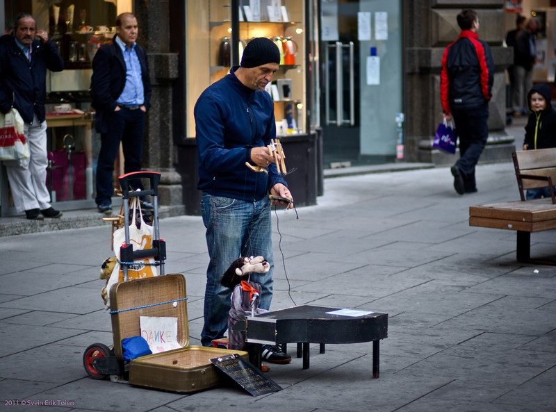 Street performance by Stefansdom