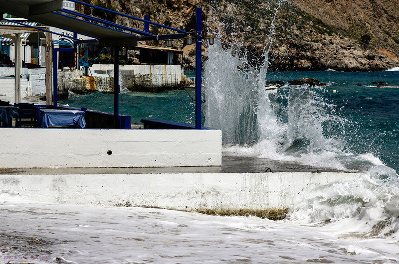Incoming wawes, Loutro