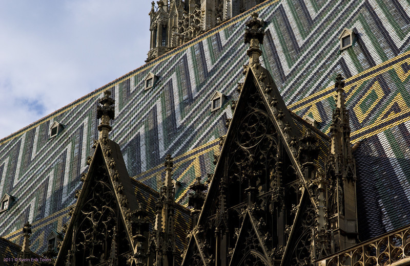 Roof patterns<br /> Stephanskirche - completed 1160
