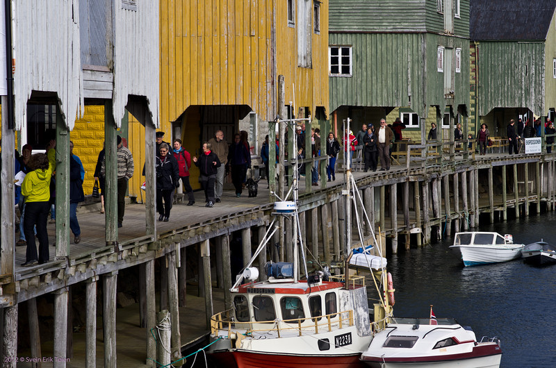 Crowded quays during Storyteller Market day, 1. of september 2012