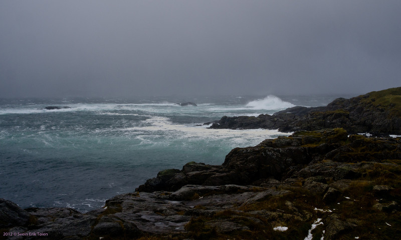Autumn storm in Nyksund - view from Vestervika