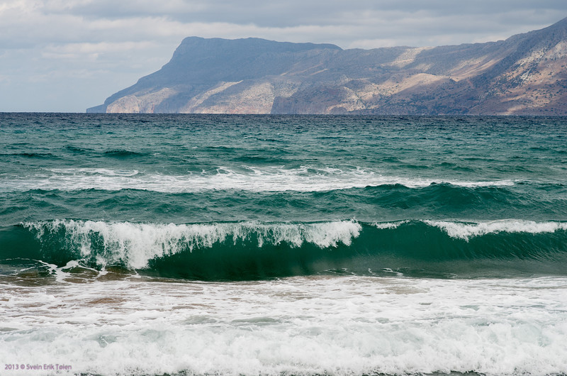Breaking waves, Kissamos bay