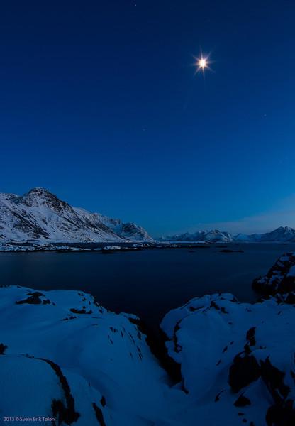 Moon over Vottestad<br /> Seen from Ungsmaløya, Nyksund