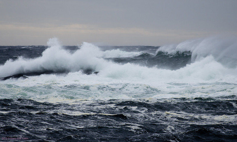 Breaking waves II<br /> Seen from Vestervika, Nyksund