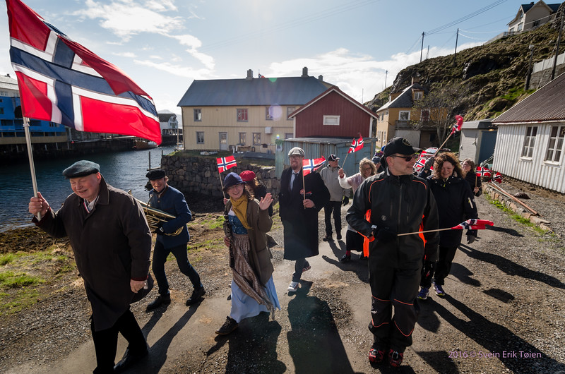 Celebrating in the eastern part of Nyksund...