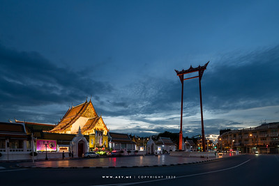 Phra Vihara, Wat Suthat Thepwararam and the Giant Swing