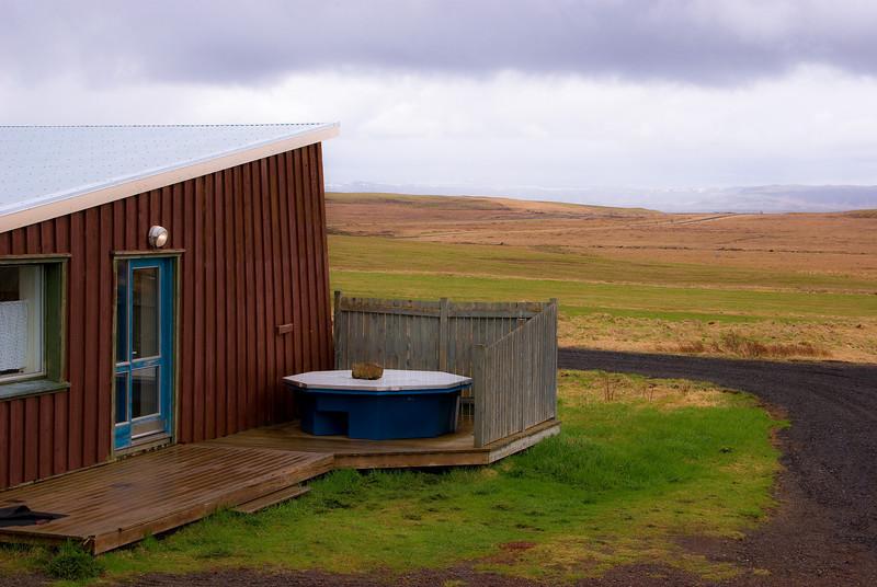 Cabin with outdoor bathtub at Skálholt