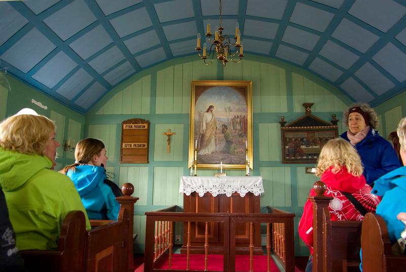 The tiny church at Thingvellir