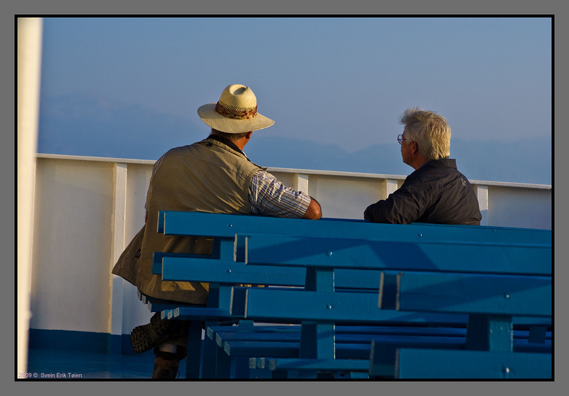 ...a calm talk, watching Crete slowly getting closer.