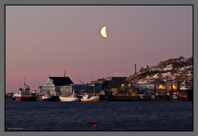 Pink morning <br /> Fishing vessels at Burøya, Bodø