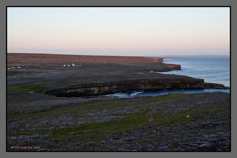 Sharp cutoff<br /> Sea cliffs