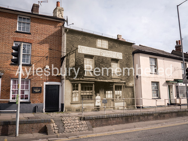Bricklayers Arms, Walton Terrace, c1910 and 2016