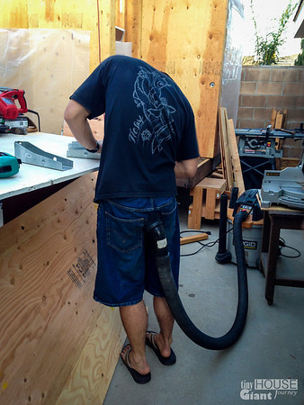 Keeping it clean  Read more here: http://tinyhousegiantjourney.com/2013/11/15/strapping-the-roof-bbbbq-8/ Follow us here: www.facebook.com/tinyhousegiantjourney