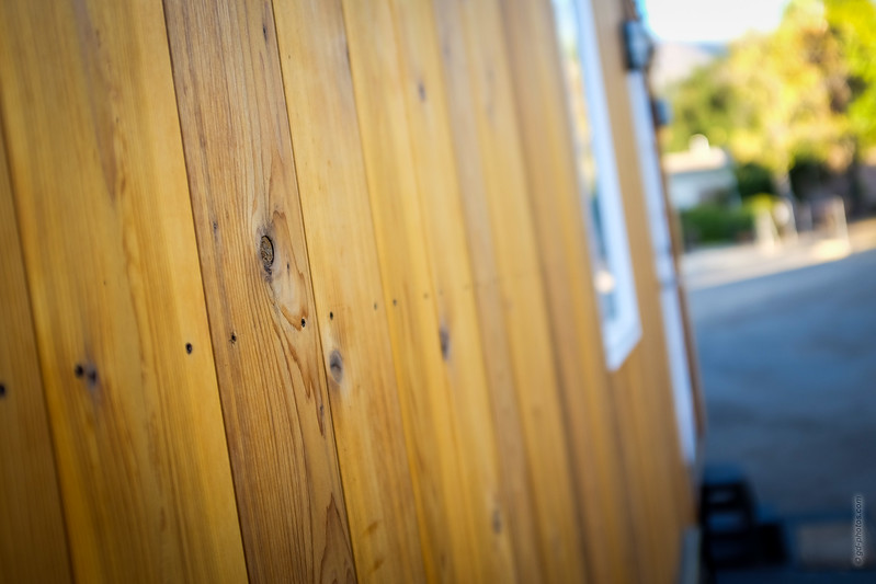 Vina Lustado's tiny house (Sol Haus Design)  Read more here: http://tinyhousegiantjourney.com/2013/11/12/vinas-tiny-house/ Subscribe here: www.facebook.com/tinyhousegiantjourney