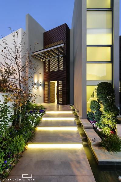 בית בהוד השרון. אדריכלות: אודי מנדלסון