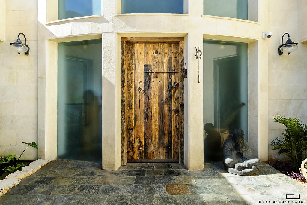 בית בקיסריה. צולם עבור גלעד ארגז' - נגר