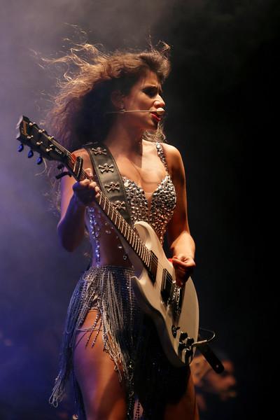 8-Paula Fernandes