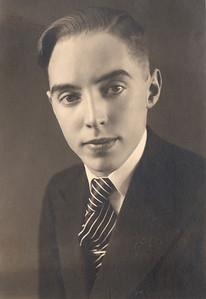 Karl Helgason (1914-2011)